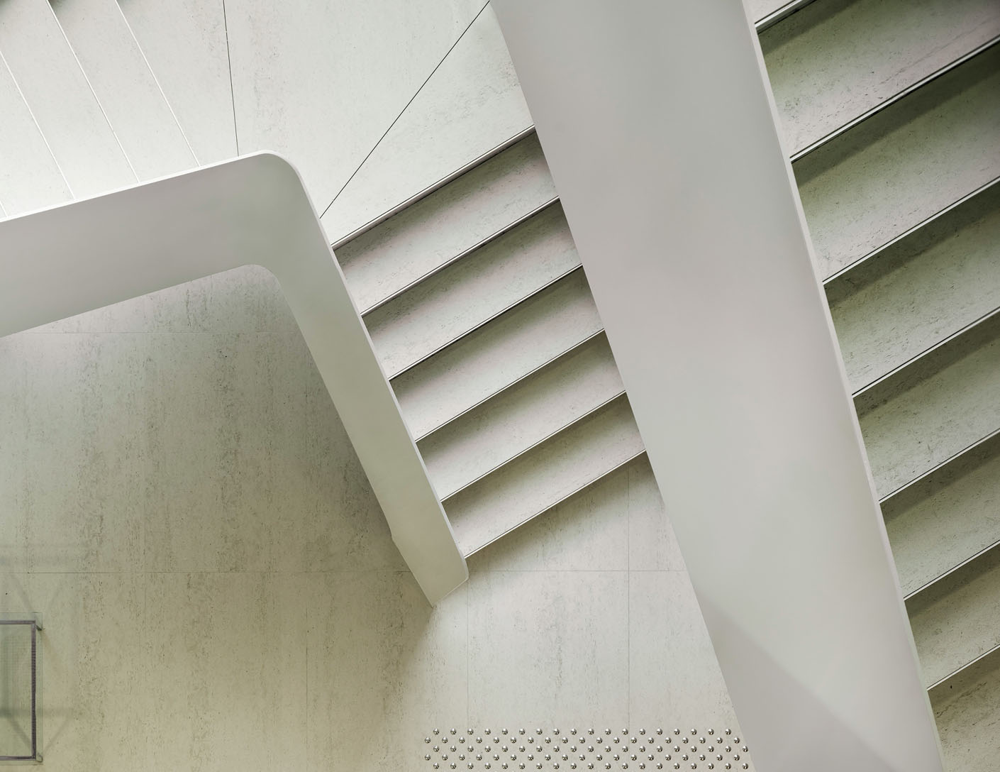 Image of sol arq suelos y pav escaleras in Fußbodenbelag - Cosentino