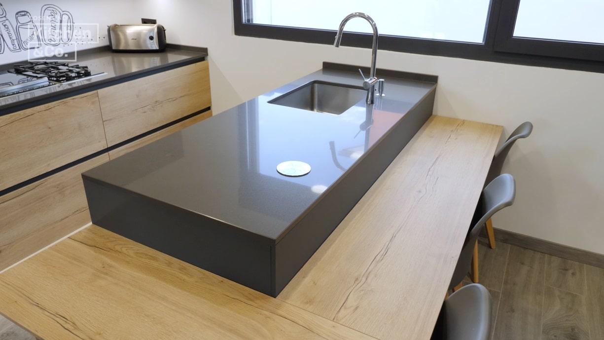 Image of KCo cocina con península 7 in Peninsula kitchens have become a trend - Cosentino