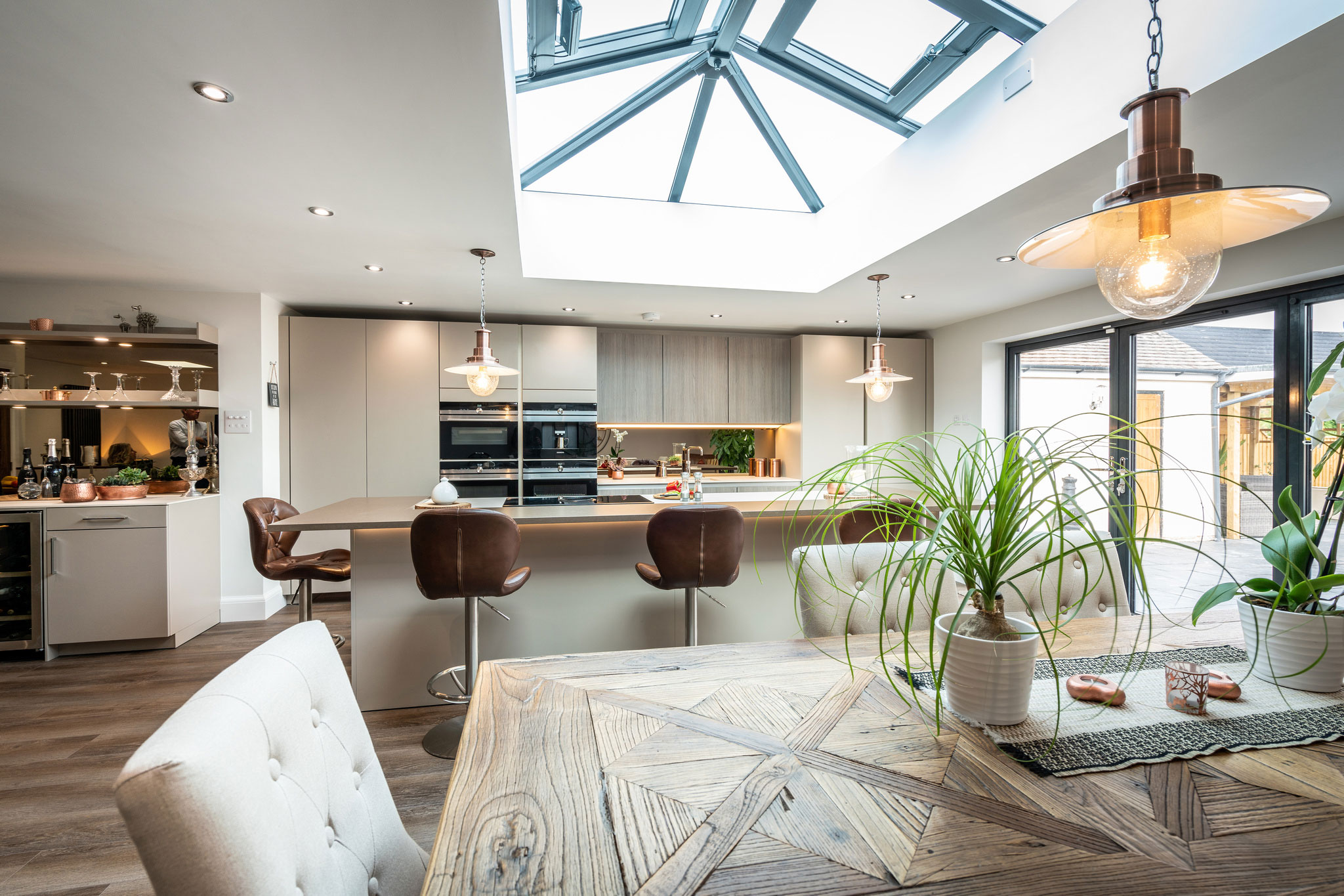 Image of Myers Touch Daniels Kitchen 01020 ZF 2442 14358 1 030 in A space designed for socialising - Cosentino