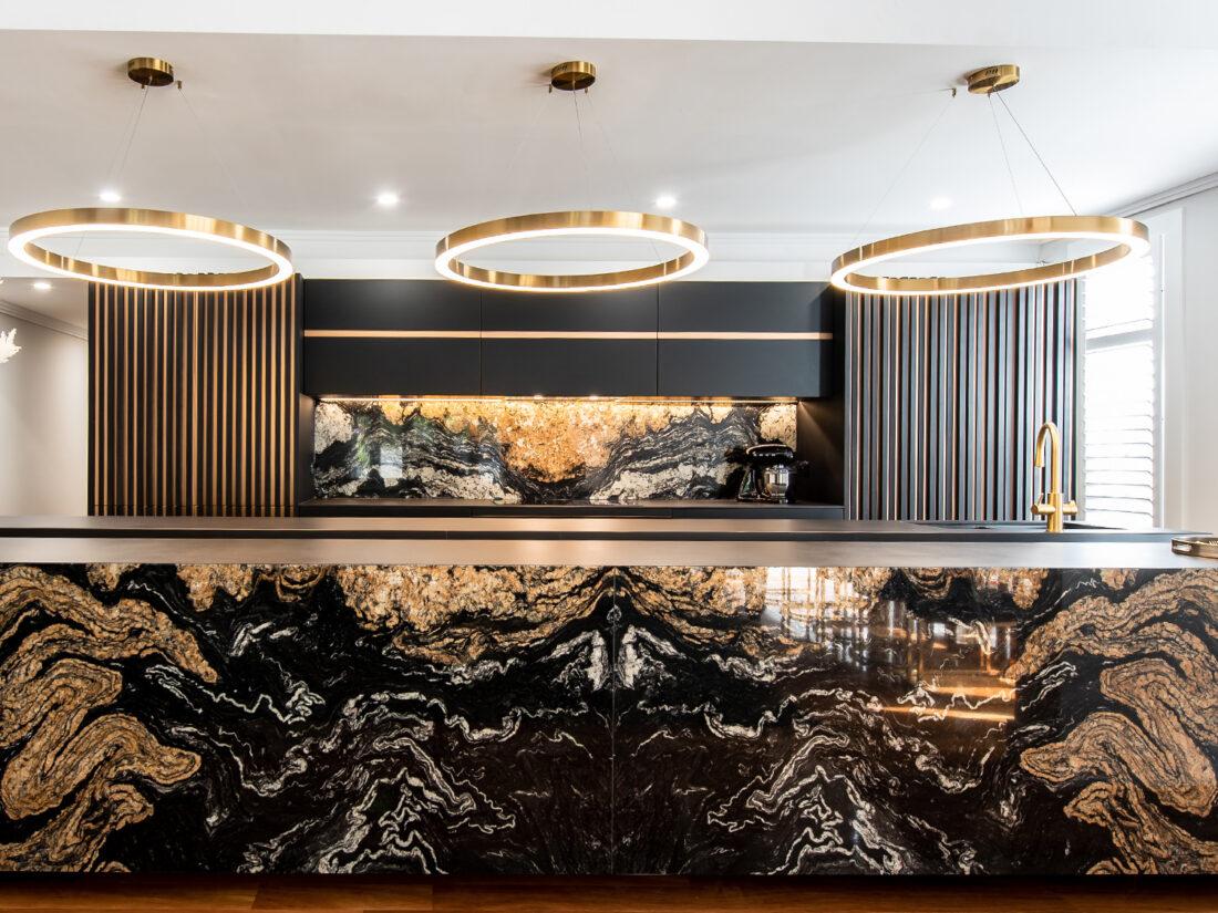 A breathtaking kitchen created with Cosentino's Sensa® Orinoco, Dekton® Domoos and Dekton® Laurent surfaces