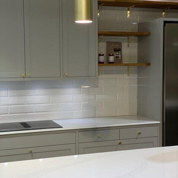 Image of calacatta gold encimera silestone in Silestone o mármol, ¿cuál es la mejor opción para tu hogar? - Cosentino