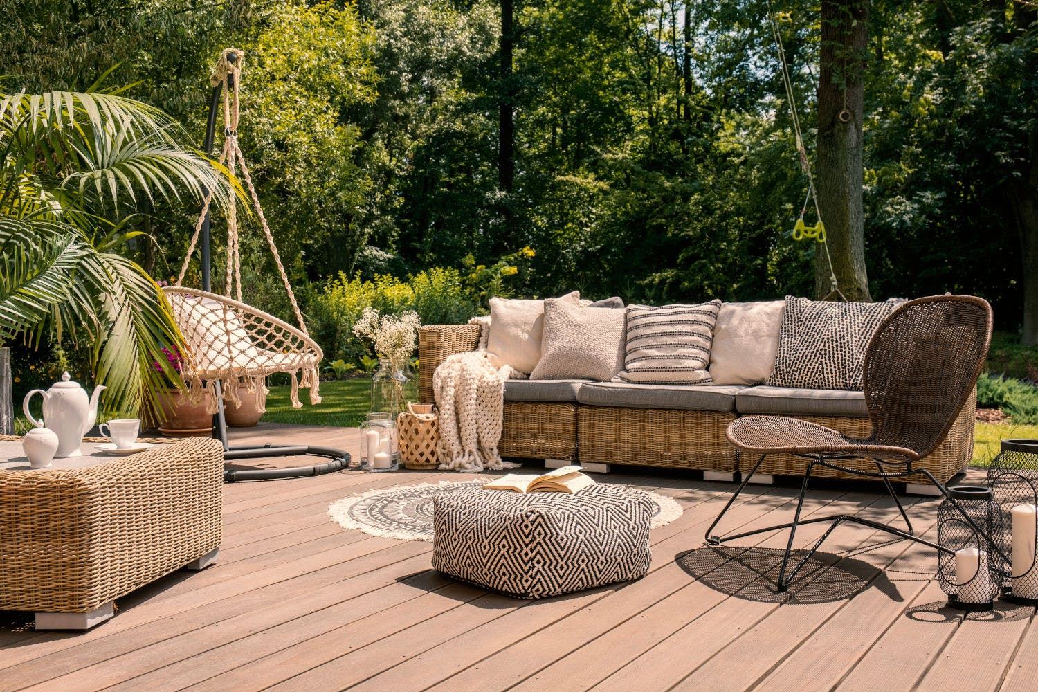 Image of shutterstock 1170474235 1 in {{Terraces: the protagonists of a summer at home}} - Cosentino