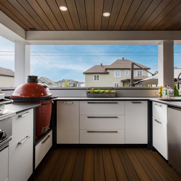 Image of 394A5753 copie in Série Great Canadian Backyard : Station Grill transforme une cour arrière de Montréal en une oasis de grillades - Cosentino