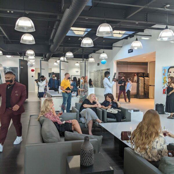 Image of PXL 20210812 224837116 scaled in Cosentino célèbre l'évolution de Silestone dans les salles d'exposition canadiennes - Cosentino