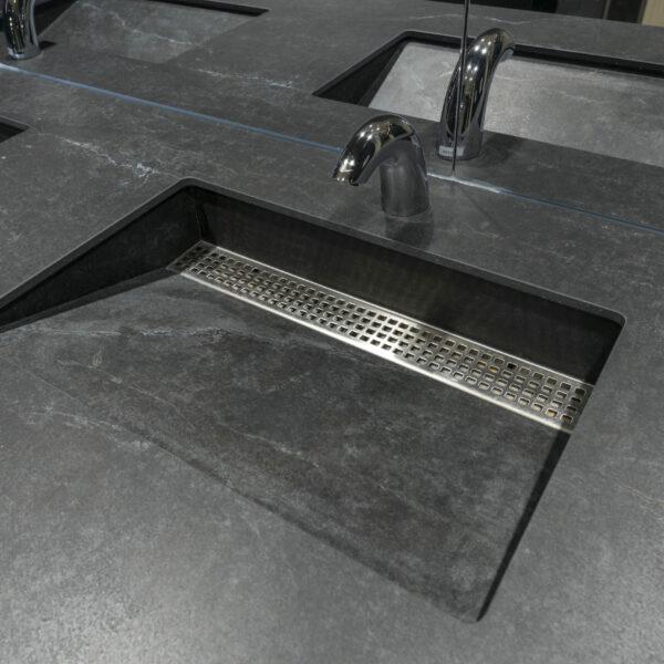 Image of integrated sink scaled in Designers en Vedette: le Grant Design Group de Winnipeg - Cosentino