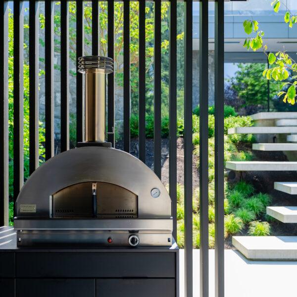 Image of sherwood location4 11 in Série Great Canadian Backyard : Sherwood Outdoor Kitchens crée l' ultime espace de vie extérieur divertissant - Cosentino