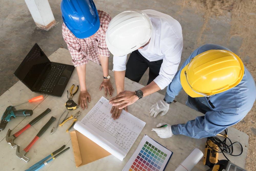 Image of shutterstock 566073055 in Come prepararsi a una ristrutturazione - Cosentino