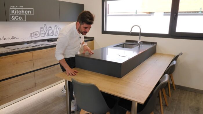 Image of KCo cocina con península 2 in Wandbekledingen - Cosentino