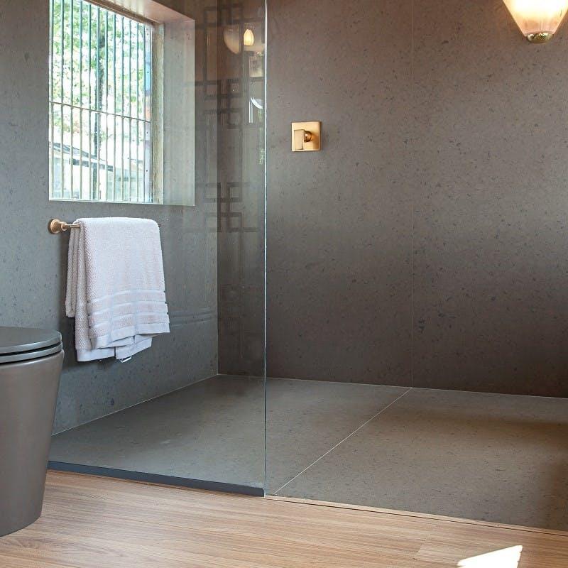 Image of plato ducha gris madera bano 1 in Grey shower trays - Cosentino