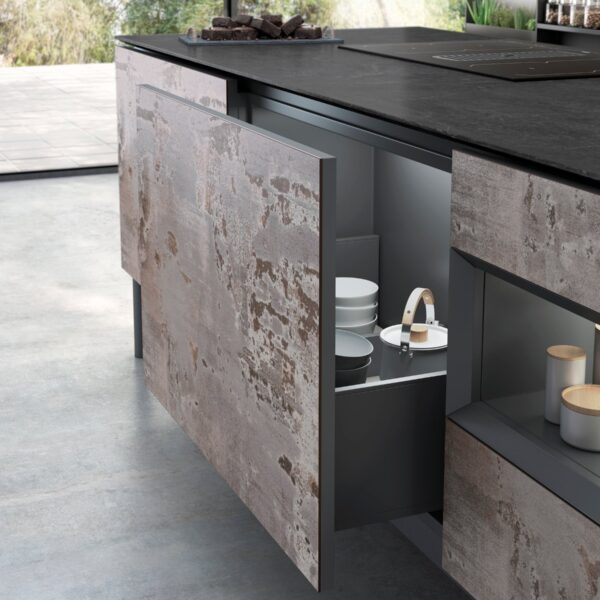 Image of Dekton Kitchen Trilium Detalle 1 in How to organize your kitchen… and keep it that way - Cosentino