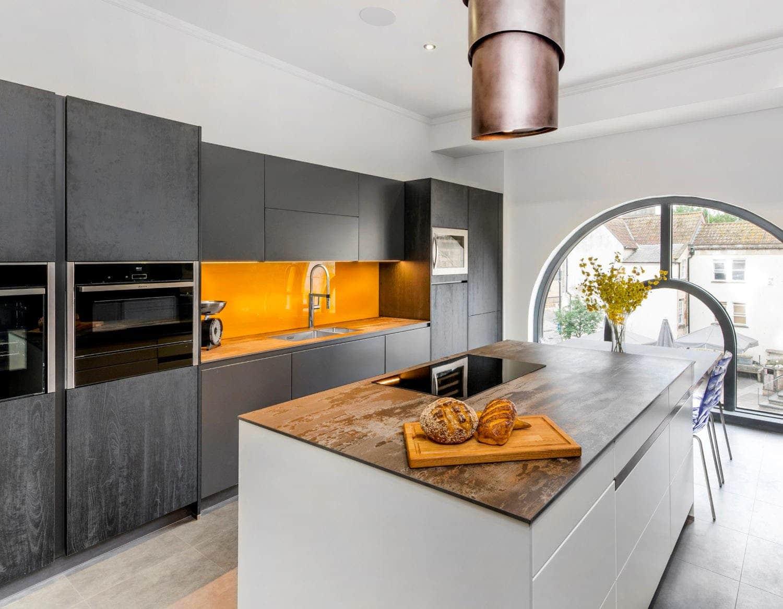 Image of Elmore Kitchens Showroom Dekton Trilium in {{Modular kitchens: practical and versatile}} - Cosentino