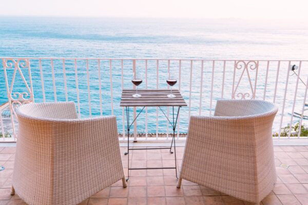 Image of edgar chaparro Xp9Vf9AXepE unsplash 1 in Terraces: the protagonists of a summer at home - Cosentino