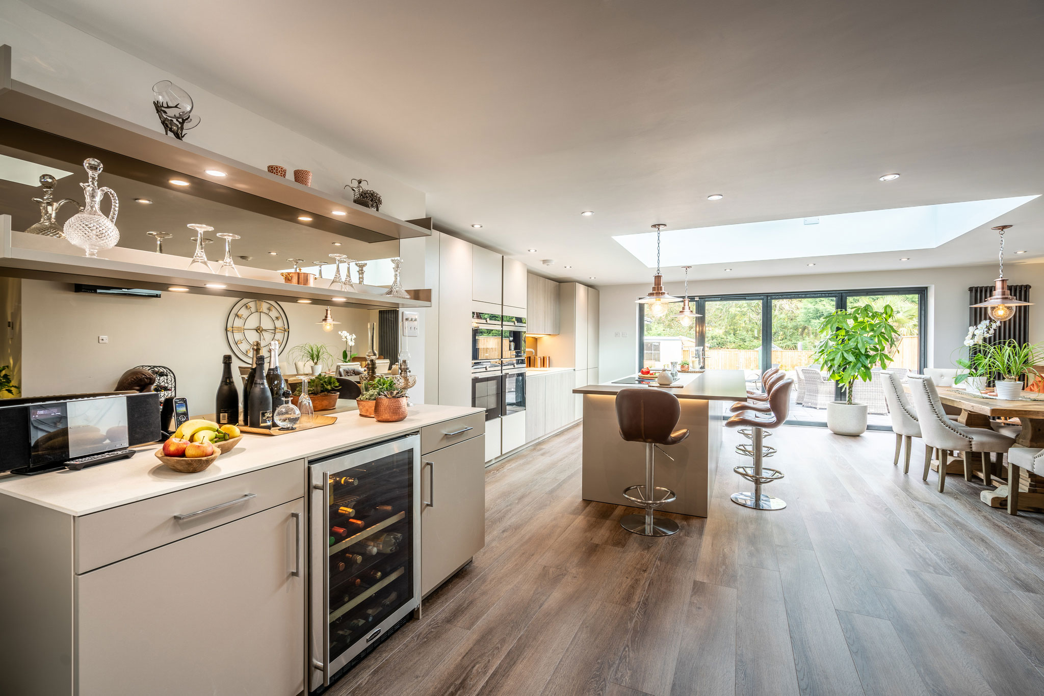 Image of Myers Touch Daniels Kitchen 01043 HDR ZF 2442 14358 1 035 in A space designed for socializing - Cosentino