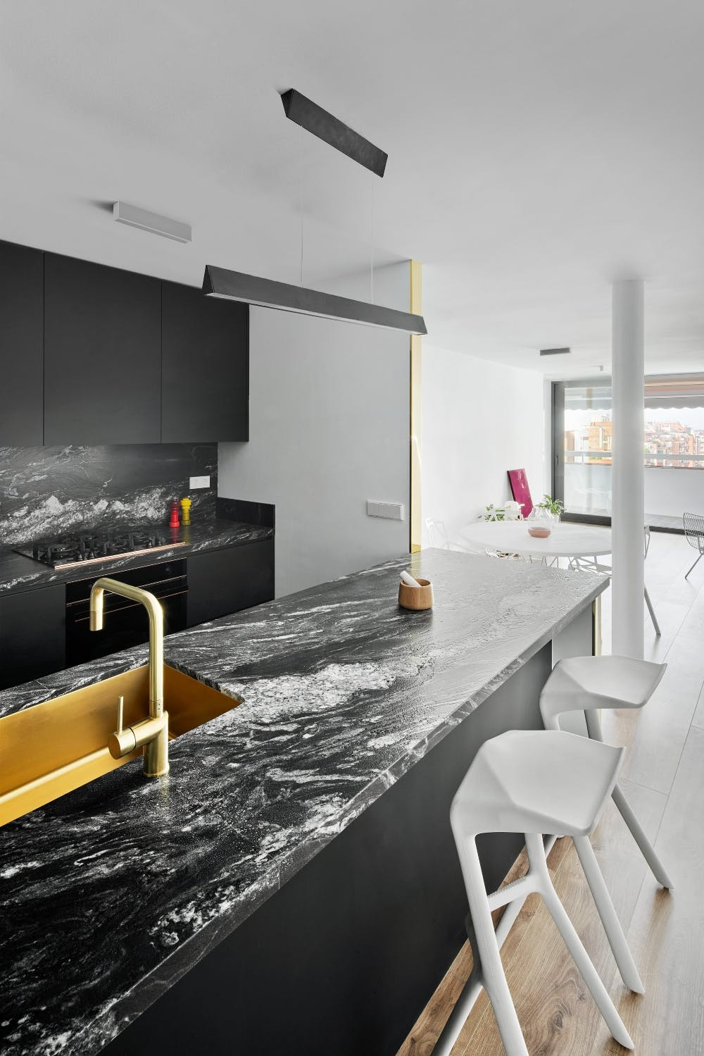Image of 2art 1 in Connected spaces creating an open and brilliant home - Cosentino