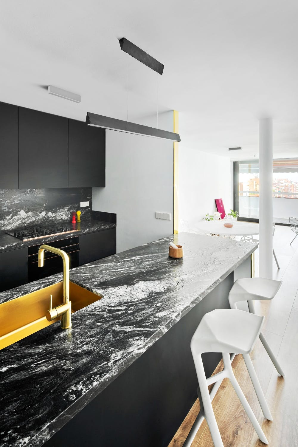 Image of 2art 2 in Connected spaces creating an open and brilliant home - Cosentino