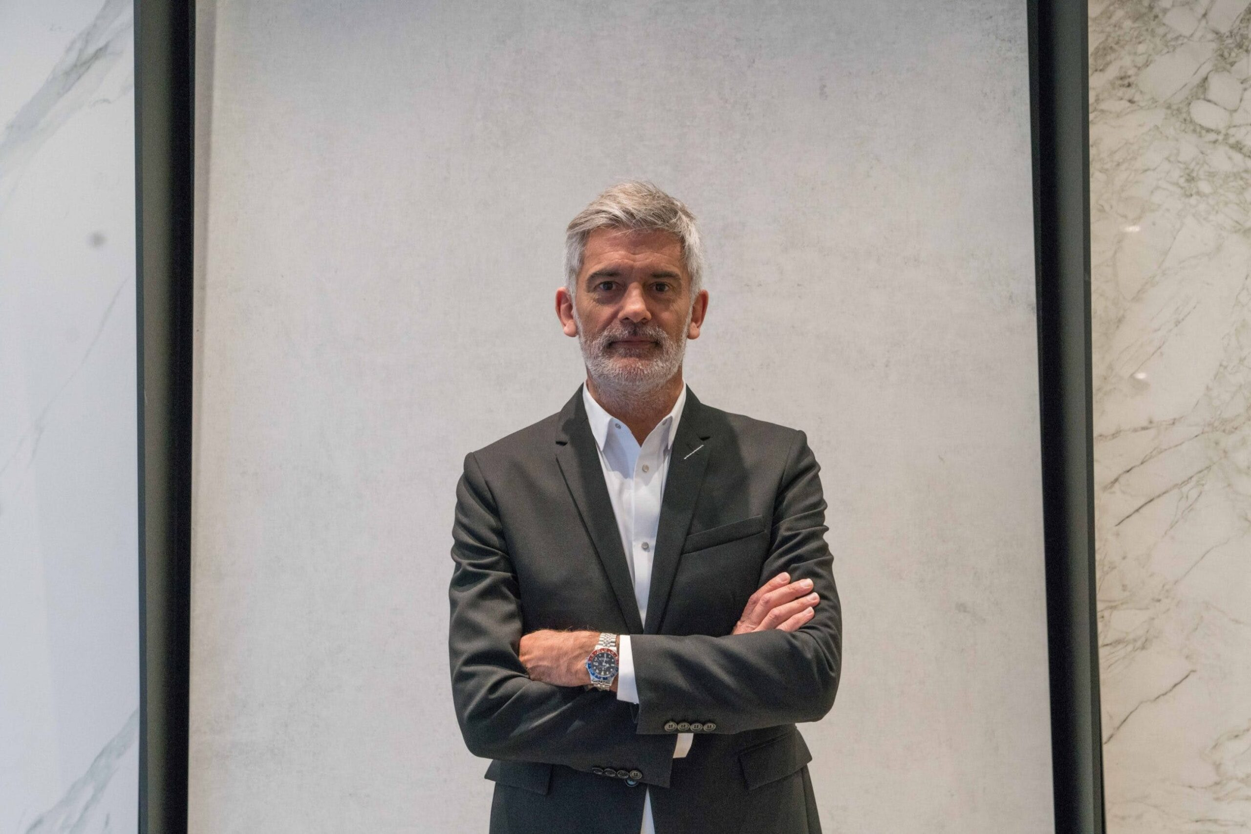 Image of Alfredo Häberli en Cosentino City Madrid 2 baja 1 scaled in Alfredo Häberli chooses Dekton® for his kitchen for the future - Cosentino
