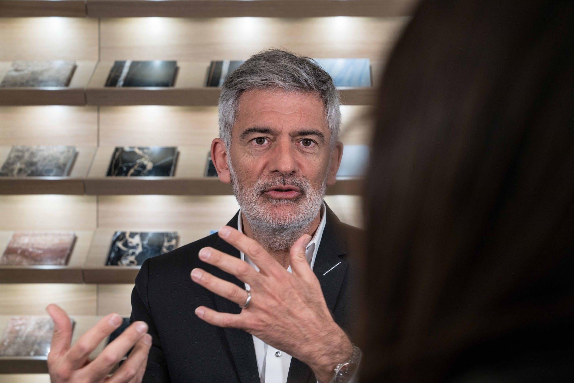 Image of Alfredo Häberli en Cosentino City Madrid 5 baja 1 in Alfredo Häberli chooses Dekton® for his kitchen for the future - Cosentino