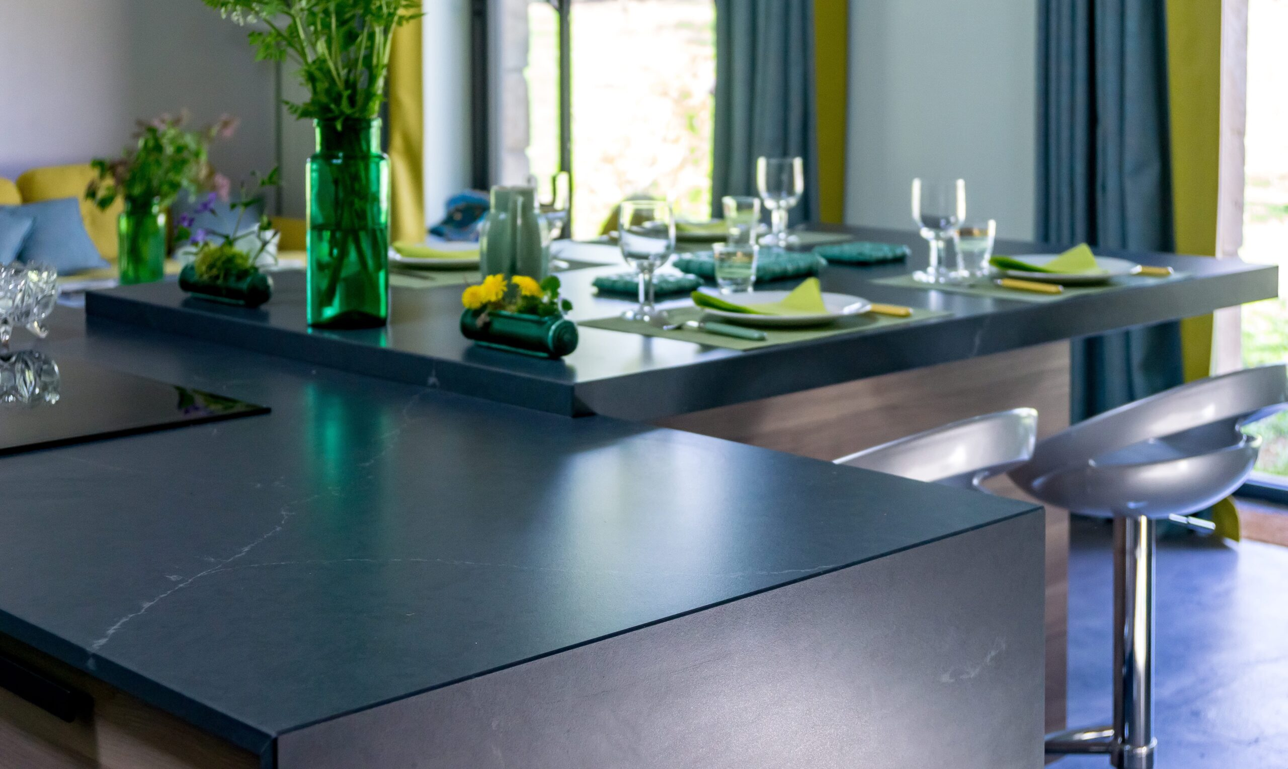 Image of Anne Valery Kitchen with Silestone 2 1 scaled in A kitchen with Silestone® in osmosis with nature - Cosentino
