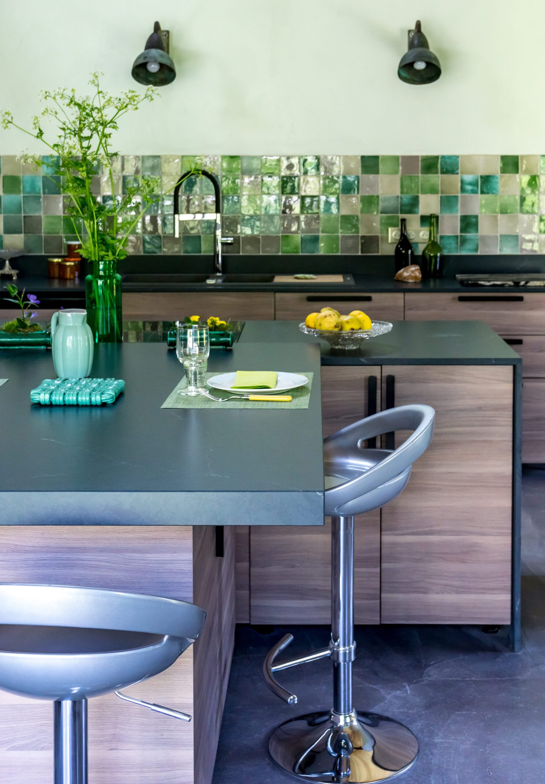 Image of Anne Valery Kitchen with Silestone 4 1 scaled in A kitchen with Silestone® in osmosis with nature - Cosentino