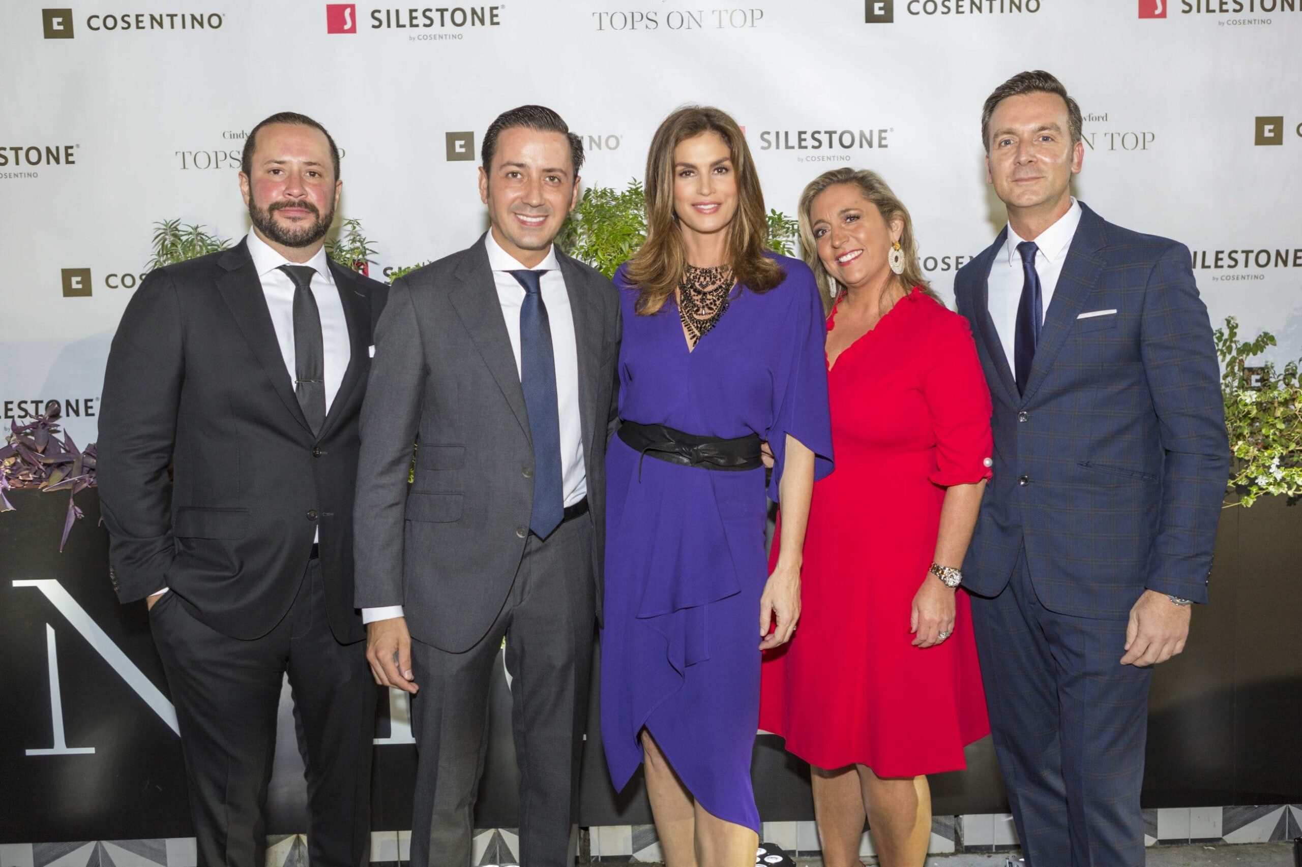 """Image of Cindy Crawford Cosentino 6 prensa 1 scaled in Cindy Crawford and """"Tops on Top"""" by Silestone® in Houston - Cosentino"""