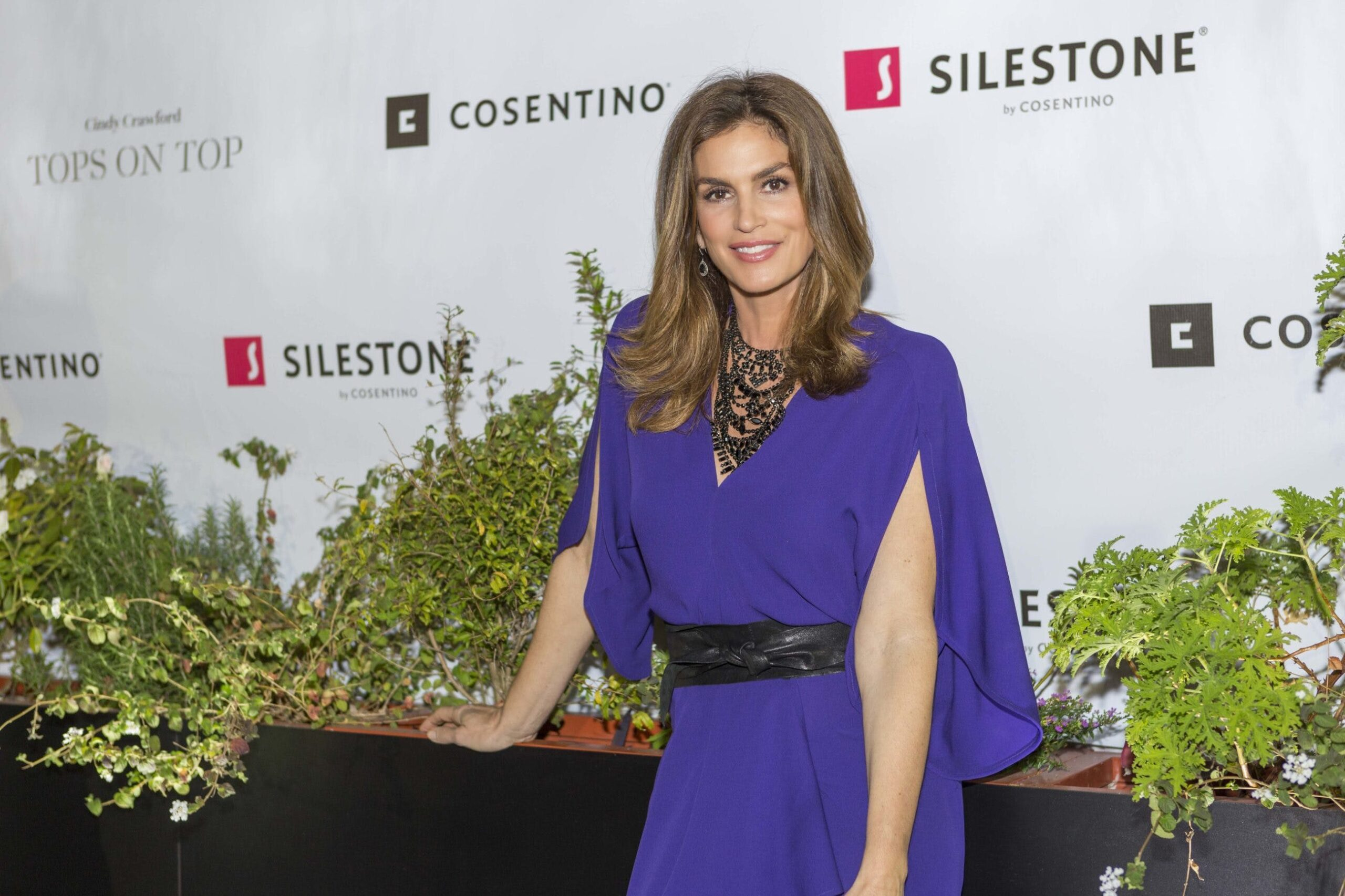 """Image of Cindy Crawford Cosentino 7 prensa 1 scaled in Cindy Crawford and """"Tops on Top"""" by Silestone® in Houston - Cosentino"""