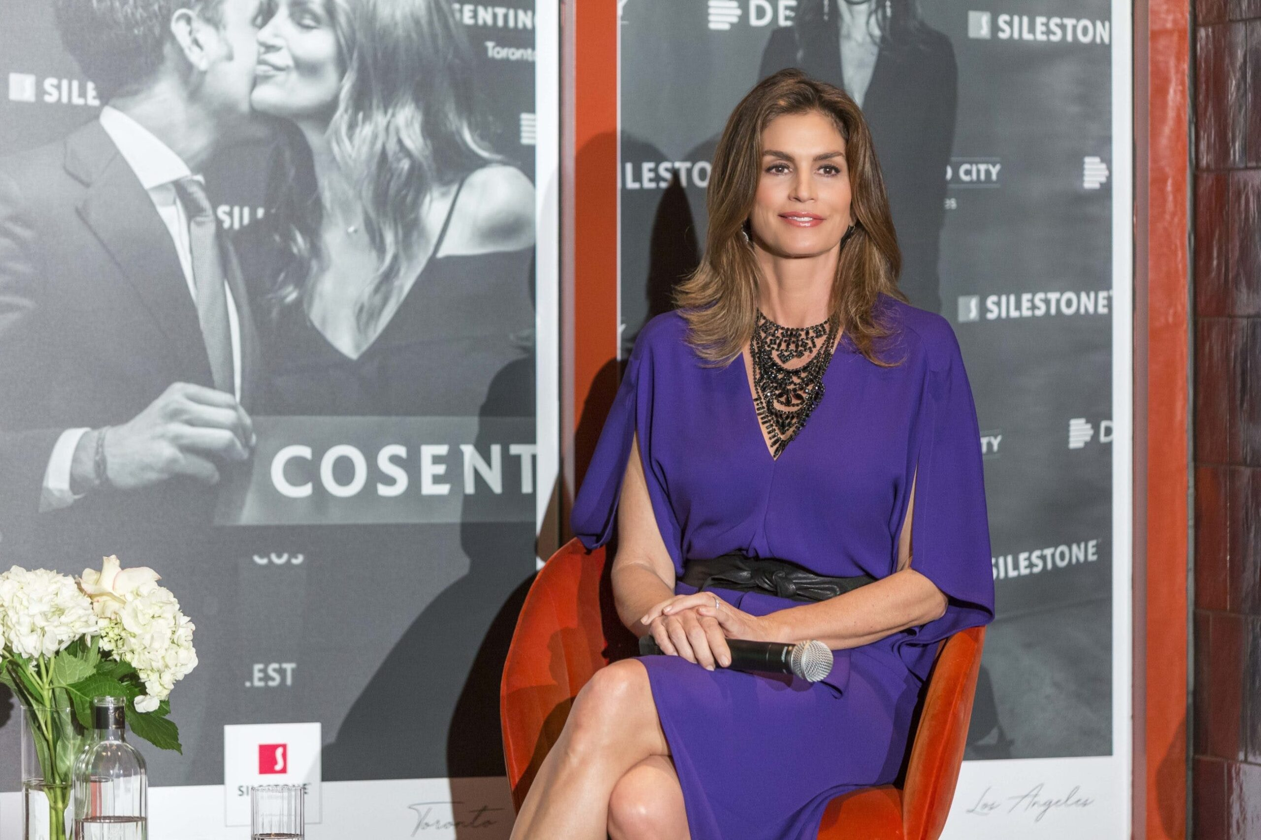 """Image of Cindy Crawford Cosentino 9 prensa 1 scaled in Cindy Crawford and """"Tops on Top"""" by Silestone® in Houston - Cosentino"""
