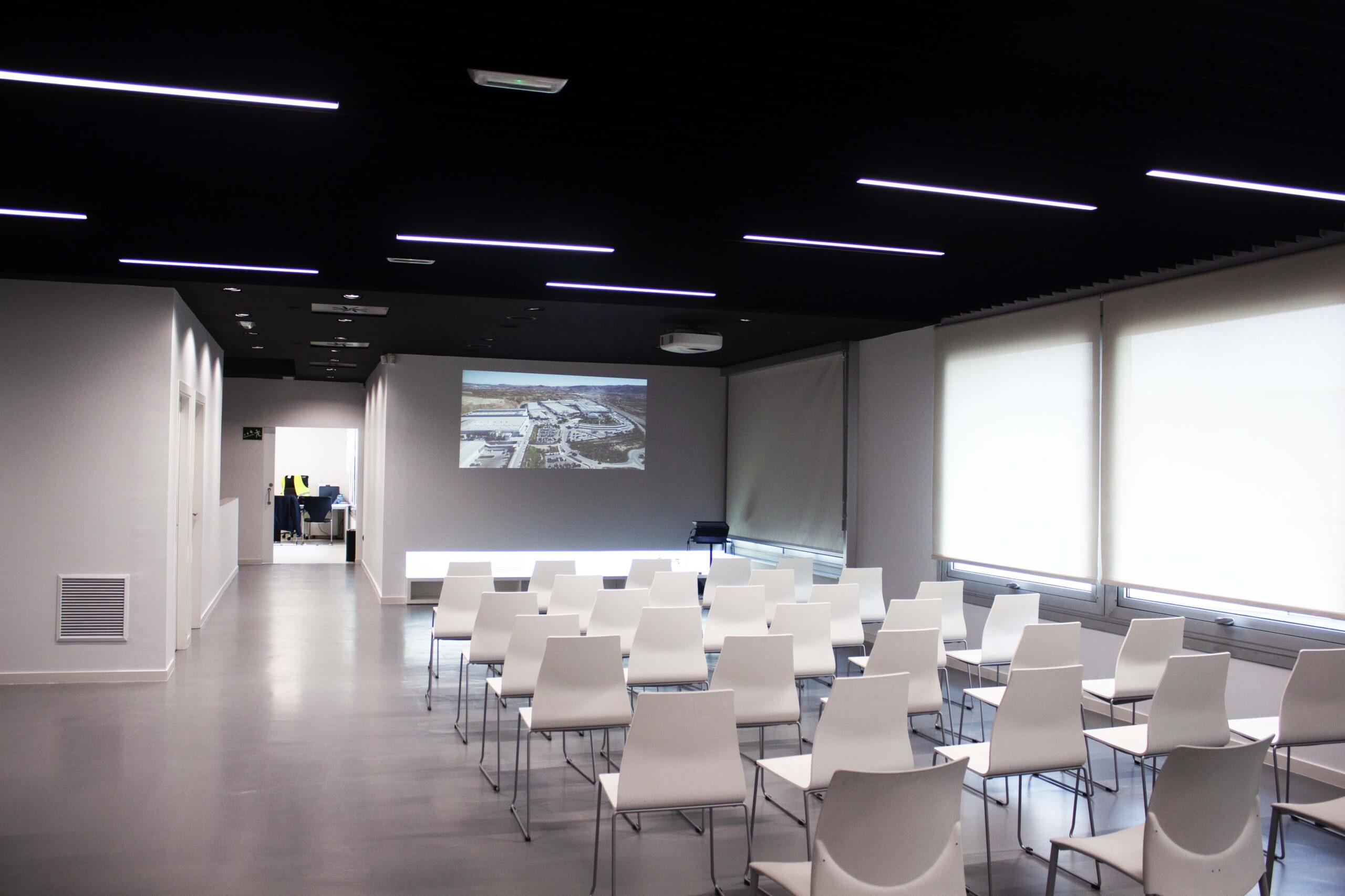 Image of Cosentino Vigo Center Aulas 3 1 scaled in Cosentino Center Vigo undertakes a beautiful renovation - Cosentino
