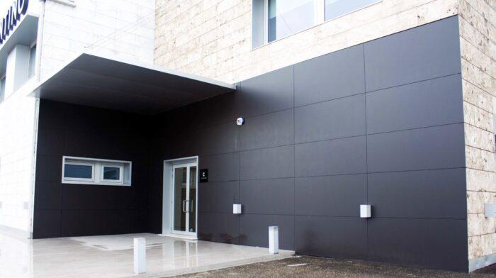 Image of Cosentino Vigo Center Fachada Dekton Domoos 2 in Cosentino deploys its innovative distribution and service model in the Balearic Islands - Cosentino