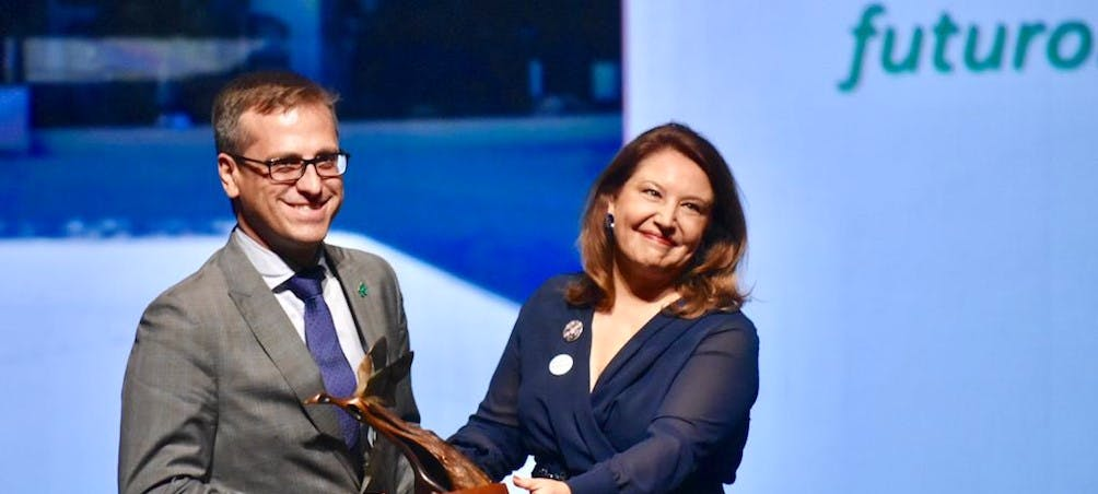 Image of Cosentino Premio PAMA antonio urdiales 2 portada in Cosentino, receives Environment Award from Andalusia Regional Government - Cosentino