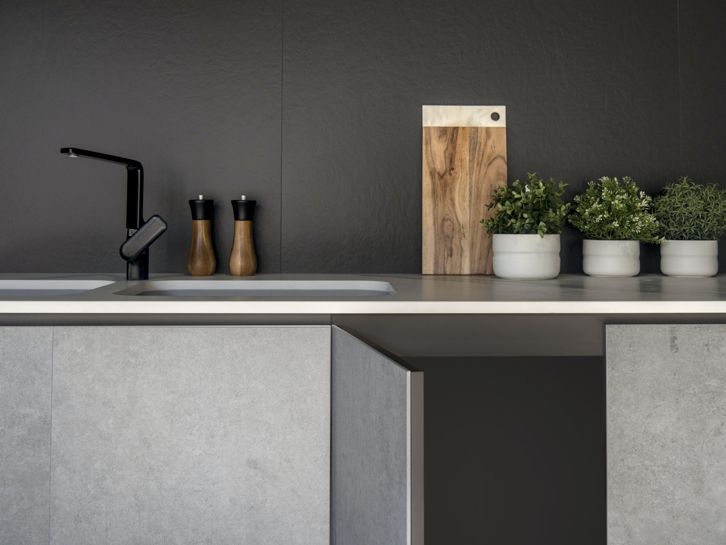 Image of Dekton Slim 4mm Kreta cabinetry cladding Dekton Slim 4mm Sirius splashback 1 in Dekton Slim Wins at the Designer Kitchen and Bathroom Awards 2019 - Cosentino