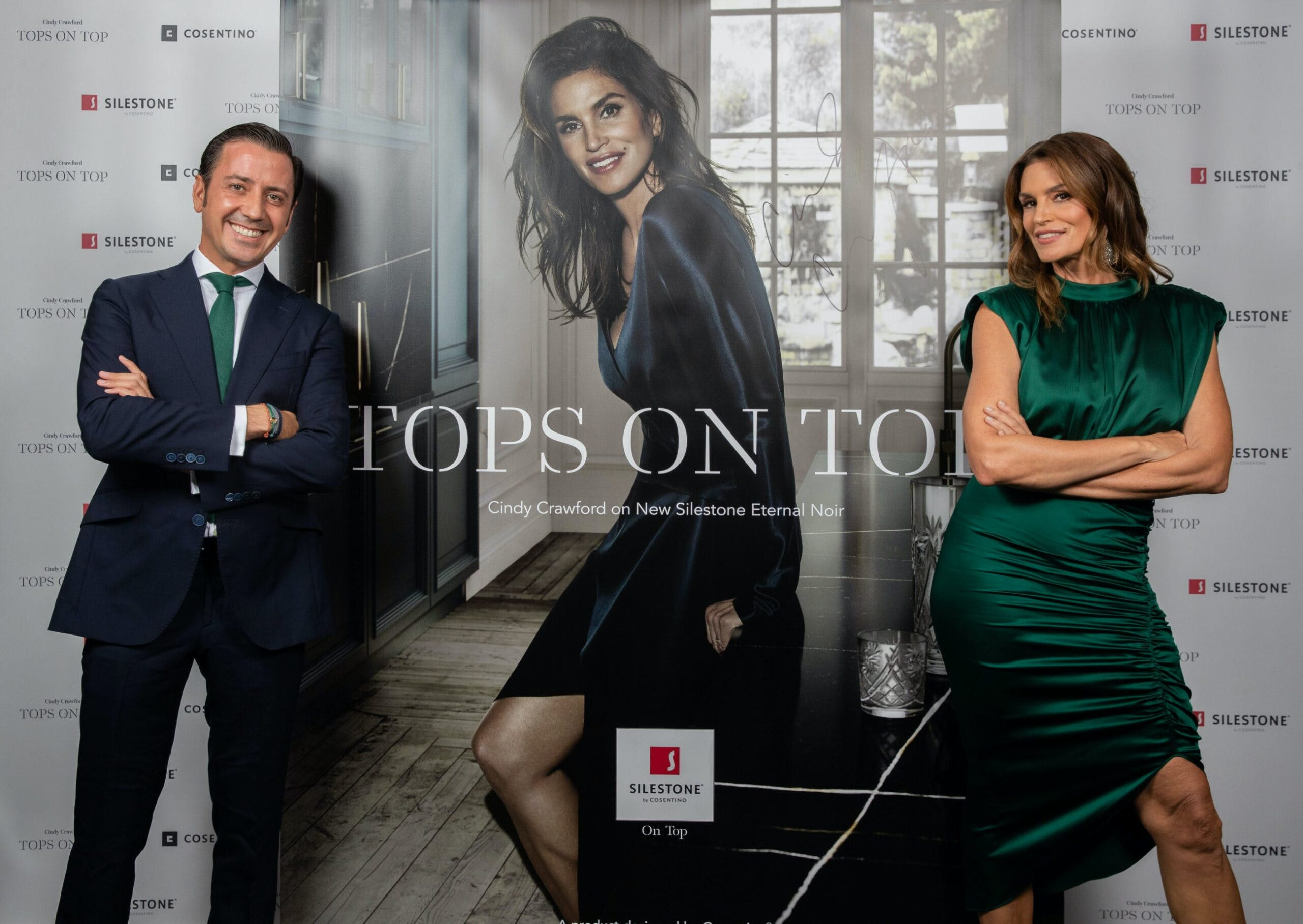 """Image of Eduardo Cosentino y Cindy Crawford Tops On Top 2019 Londres 3 scaled in Silestone® Presents its New """"Tops on Top 2019"""" Campaign Featuring Cindy Crawford - Cosentino"""