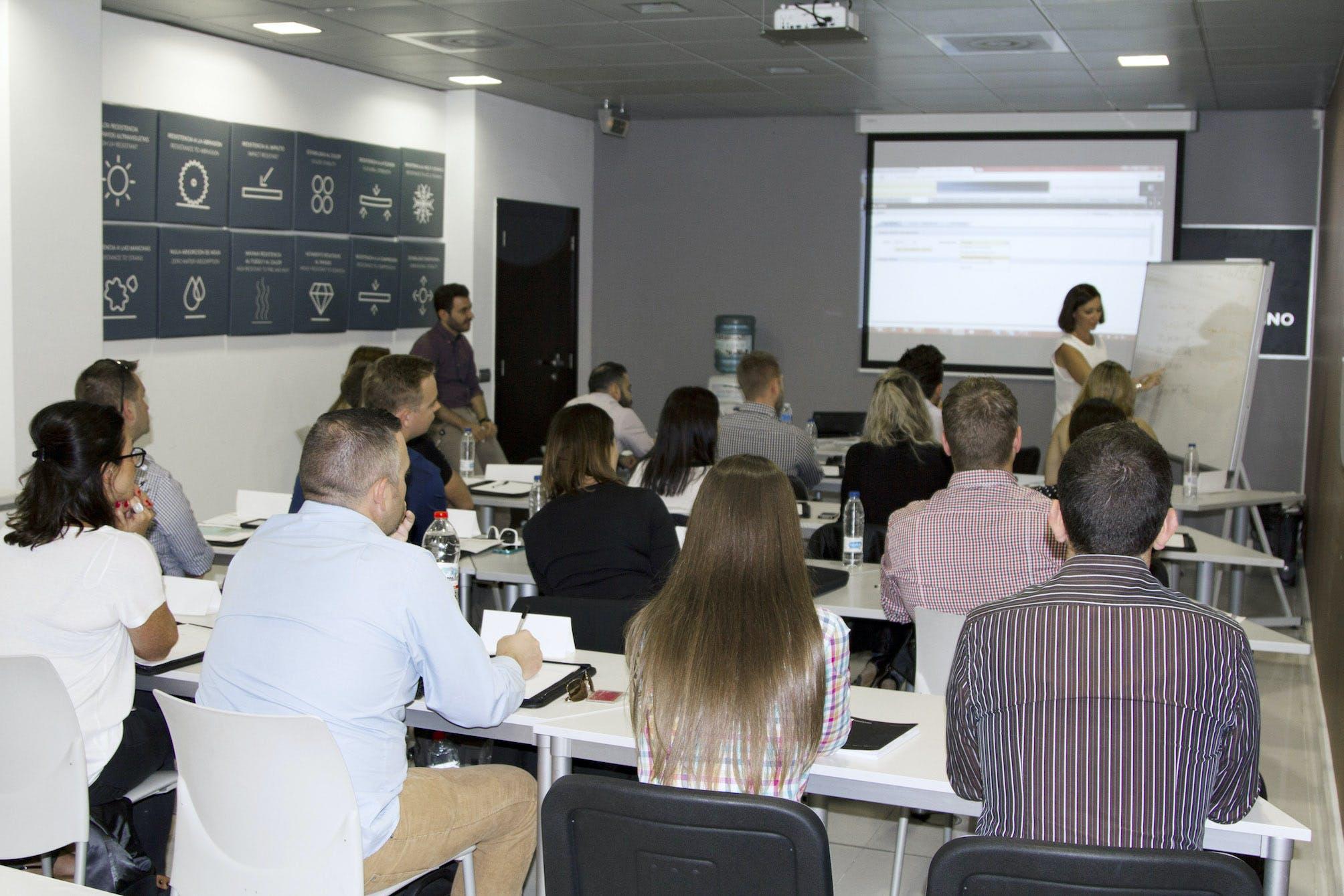 Image of Formacion Cosentino 1 in Cosentino places its faith in innovation to contribute to the 2030 Agenda - Cosentino