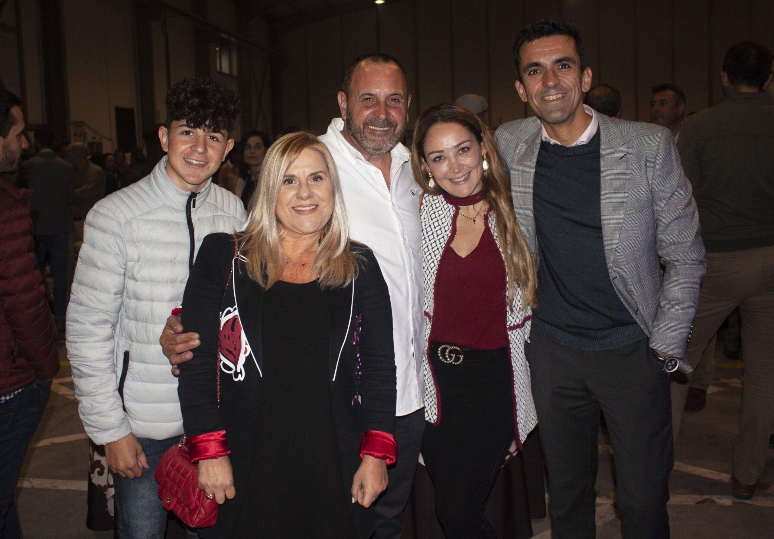 Image of Gerente Jaime Perez ccentro junto a invitados 1 scaled in Cosentino Center Vigo undertakes a beautiful renovation - Cosentino