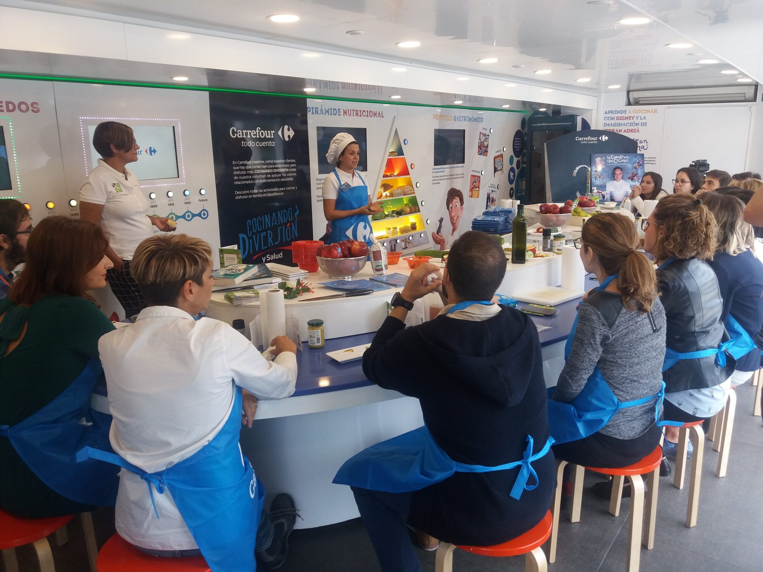 Image of InstitutoSilestone CaravanadelaSalud en Cosentino 5 1 1 scaled in Cosentino promotes good nutrition and food safety - Cosentino