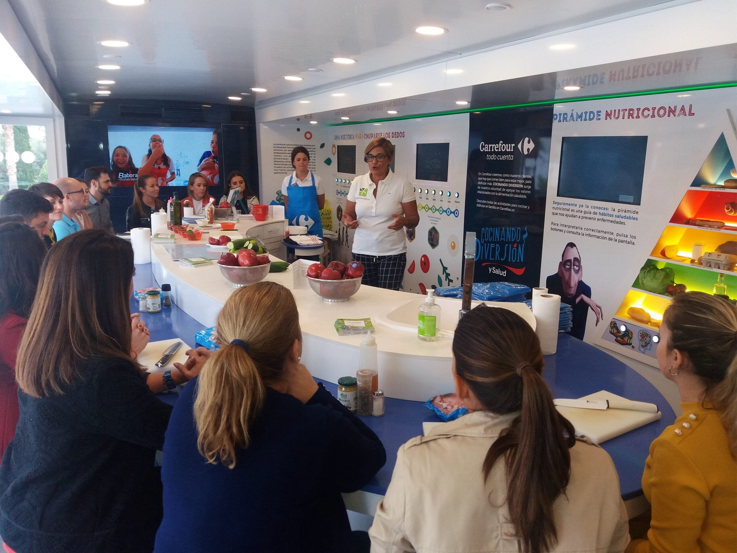 Image of InstitutoSilestone CaravanadelaSalud en Cosentino 6 scaled in Cosentino promotes good nutrition and food safety - Cosentino