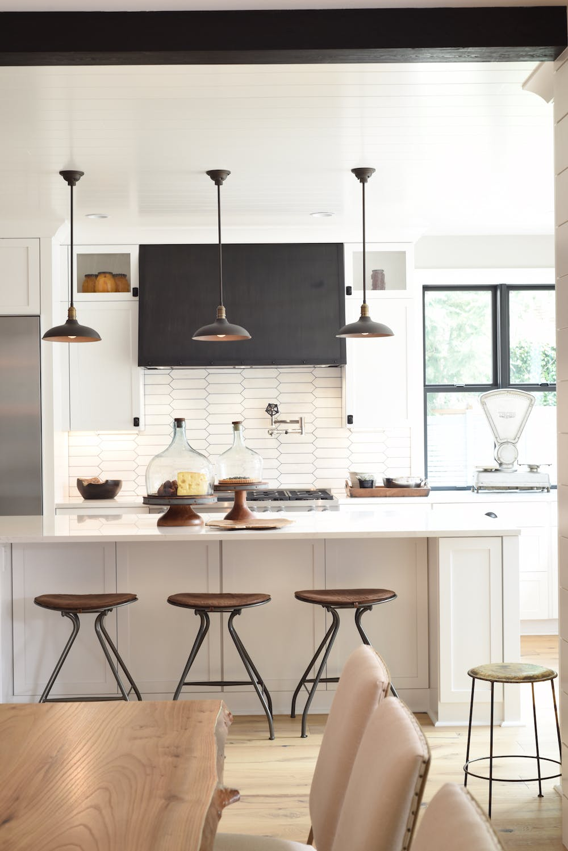 Image of Kitchen Silestone Calacatta Gold 2 1 in 2018 Northwest Idea House Features Dekton & Silestone Surfaces - Cosentino