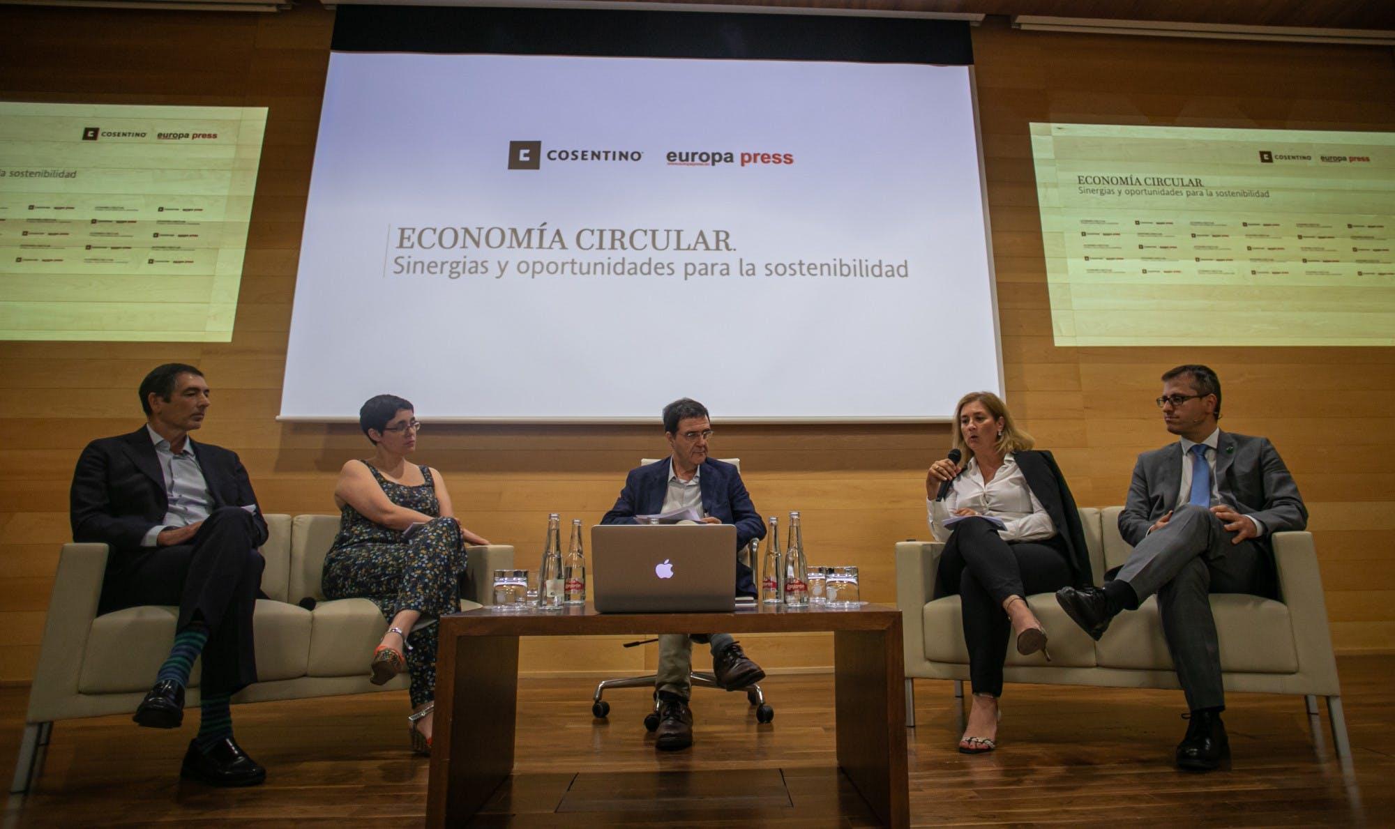Image of Mesa Redonda Jornada Economia Circular Cosentino 2 in Cosentino promotes the Circular Economy and Industrial Simbiosis - Cosentino