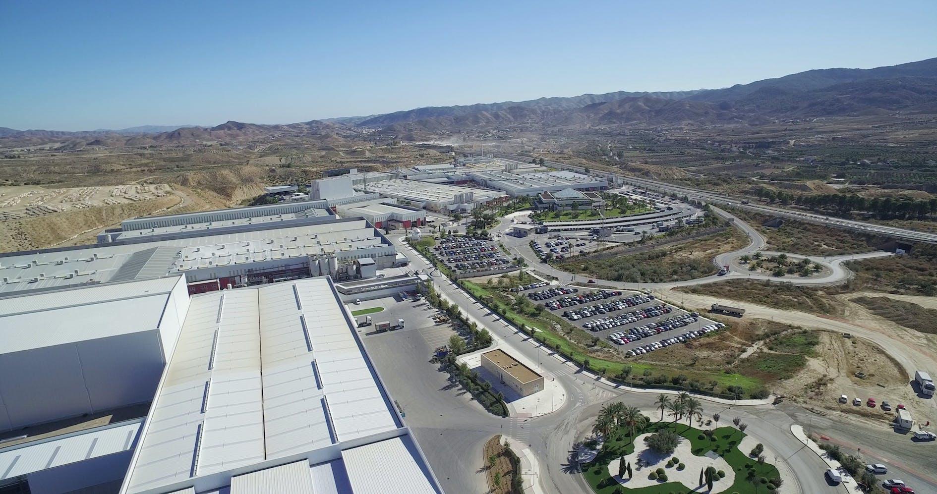 Image of Vista Aerea Parque Industrial Cosentino Cantoria in Cosentino Group reaches Euro 984.5 million turnover in 2018 - Cosentino