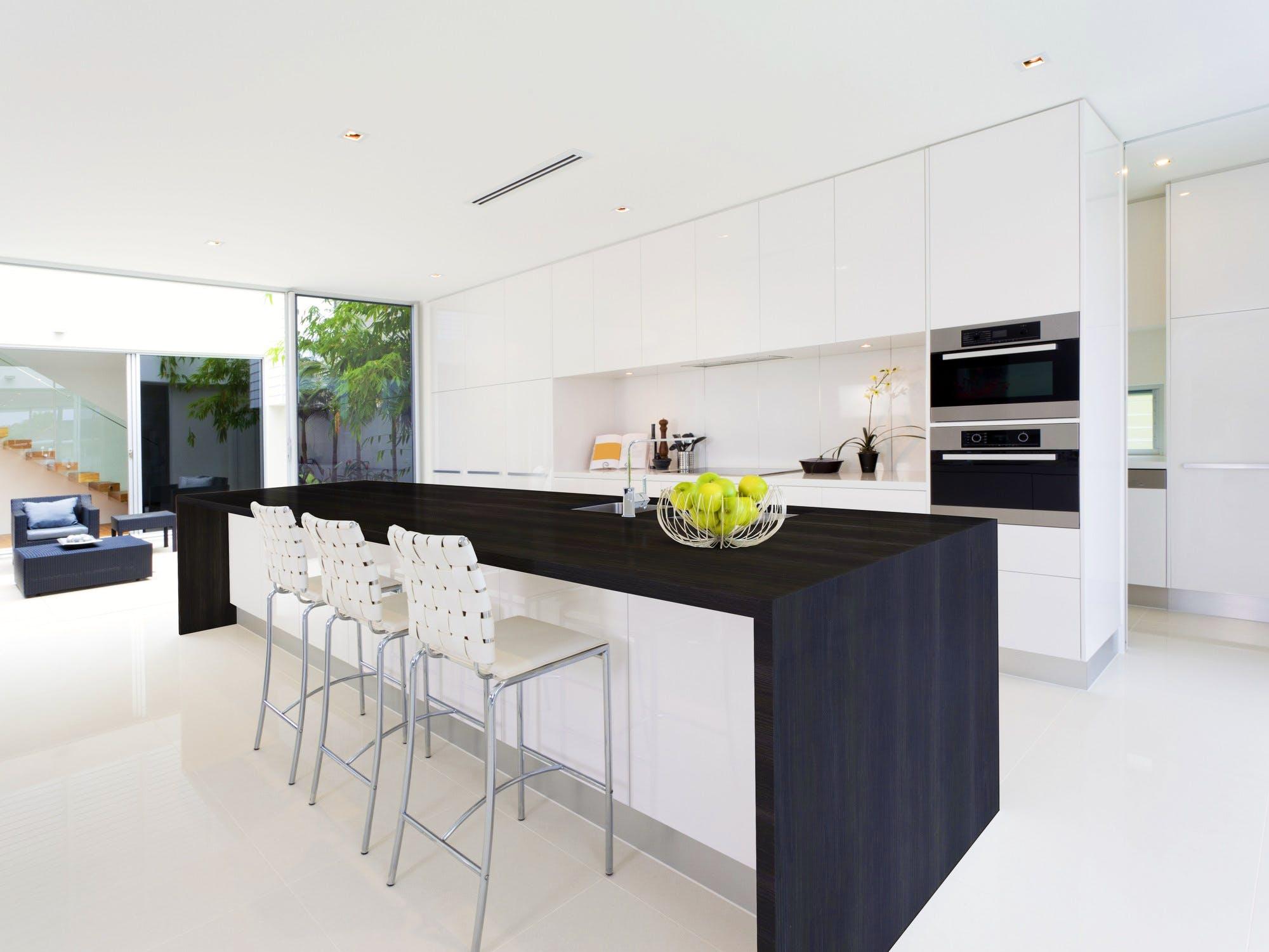 Image of dekton borea 2 in Kitchens in black: trend and style - Cosentino