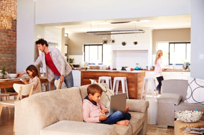 Image of familia.hogar 1 in Good cleaning, order and decoration: well-being at home - Cosentino