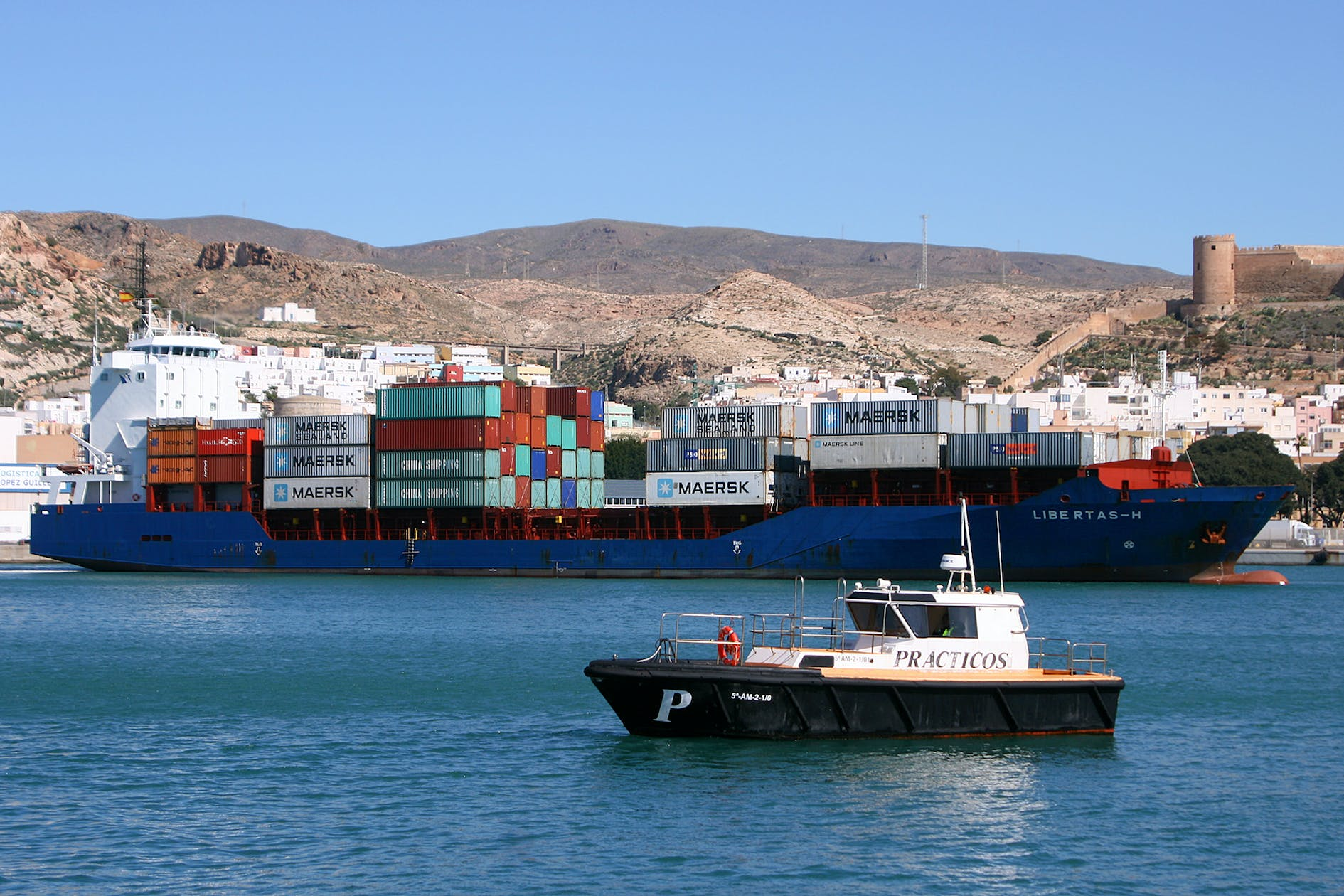 Image of maersk cosentino puerto almeria 1 in Maersk launches operations, with Cosentino, at the Port of Almería - Cosentino