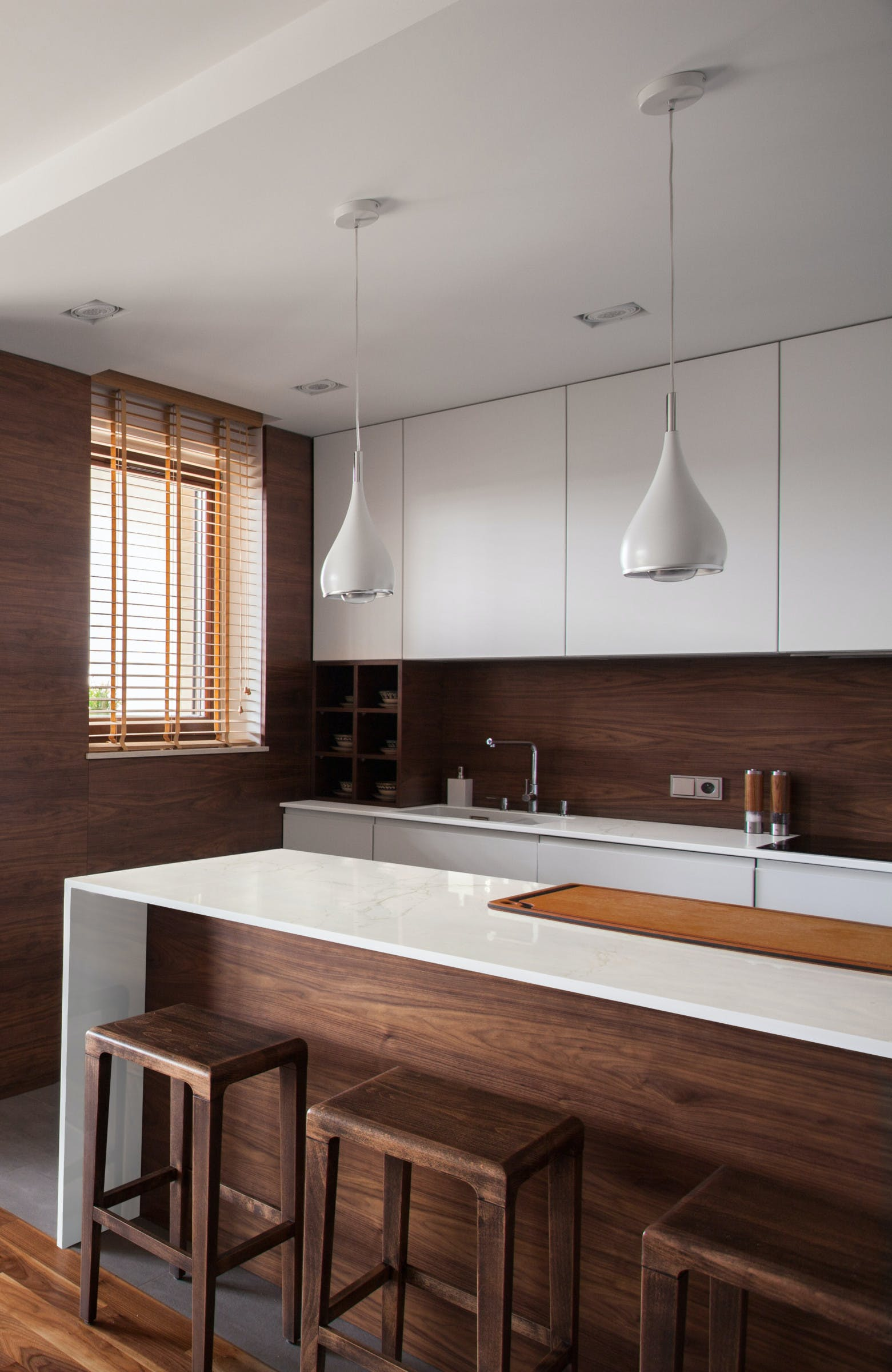 Image of rs11171 dekton kitchen glacier 1 in Compact kitchens: Who says they're a disadvantage? - Cosentino