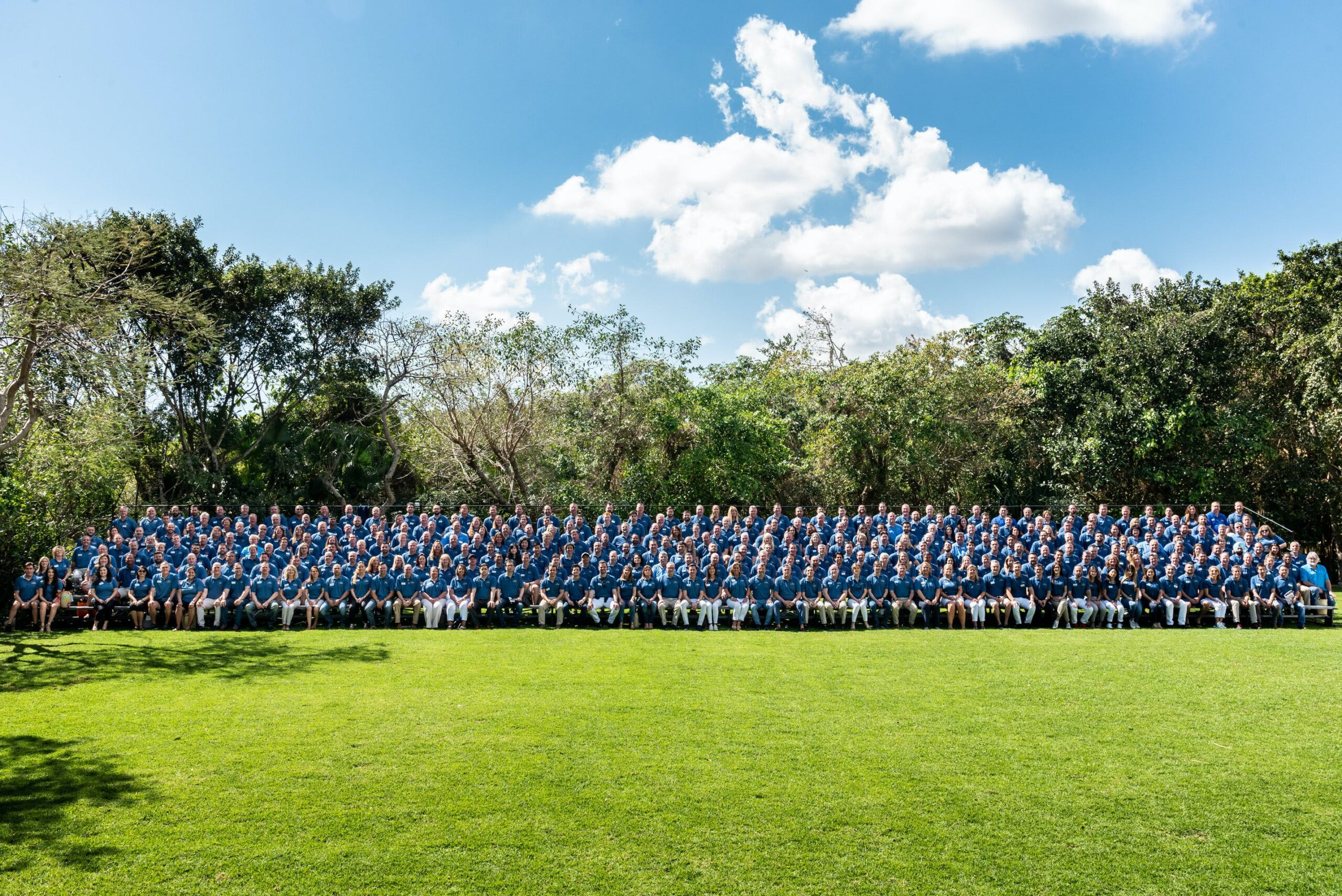 """Image of rsz c100 group photo 1 3 scaled in Record number of participating companies in the latest edition of the """"Cosentino 100"""" Convention - Cosentino"""