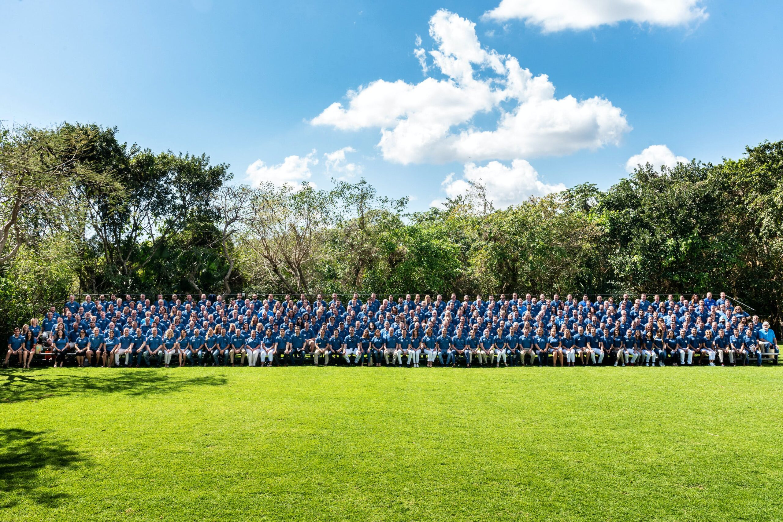 """Image of rsz c100 group photo 1 4 scaled in Record number of participating companies in the latest edition of the """"Cosentino 100"""" Convention - Cosentino"""