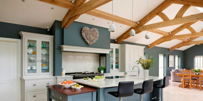 Image of tom howley kitchens cocina tradicional silestone lyra 2 2 in Design an American kitchen worthy of a movie set and feel like a star - Cosentino