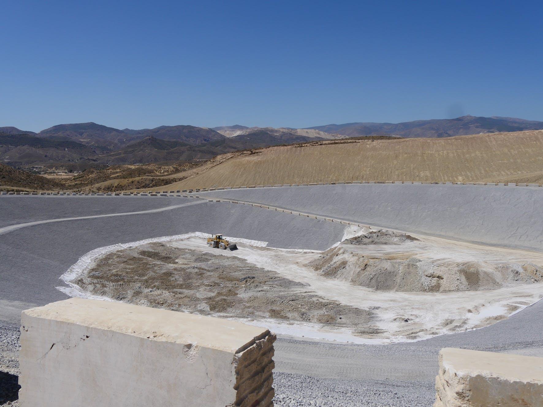 Image of vaso nopeligrosos Planta Residuos Cosentino 1 in Cosentino builds a Waste Management Facility - Cosentino
