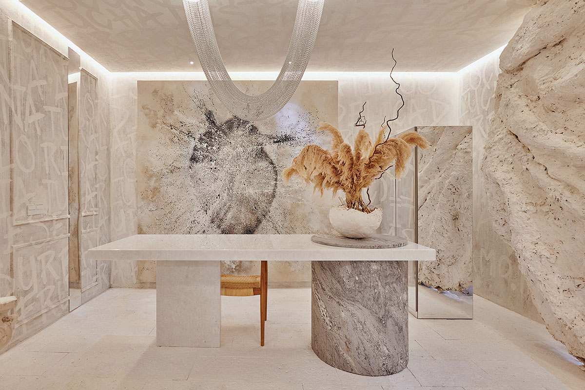 Image of Latidos de Javiescobar Interiorismo Mesa de Piedra Natural de Cosentino y pata de Sensa Sant Angelo Foto Craus fotografía arquitectura web in Cosentino at Casa Decor Madrid 2021 - Cosentino