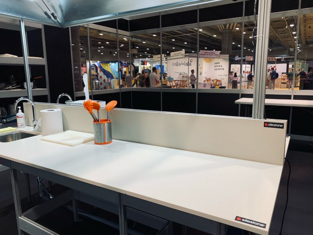 """Image of mf 2021 encimera Silestone 2 in Silestone® awards the """"Chef of the Year"""" to eight renowned chefs at 2021 Madrid Fusion - Cosentino"""