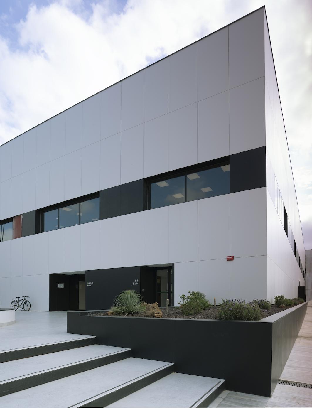 Image of Fachada Centro I D Cosentino 1 in Cosentino opens its own R&D&I Centre - Cosentino